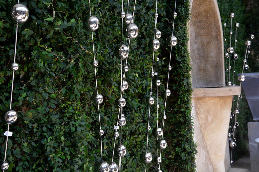 Contemporary Sway Ball Garden Stake